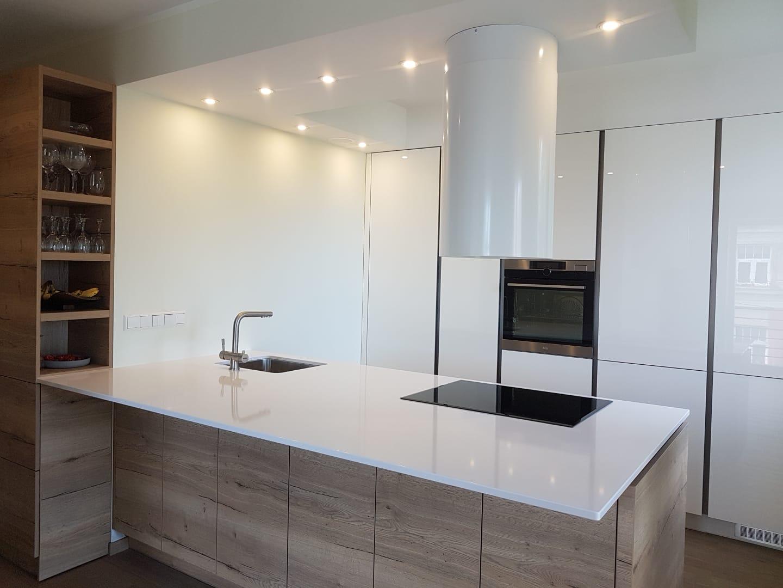 kā izskatās marmora virtuve